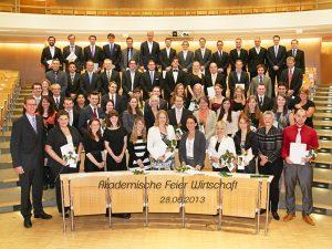 Akademische Feier WiWi_Gruppe text_SS 2013