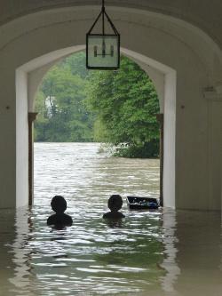 Nikolakloster überflutet