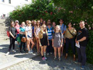 Die Schülergruppe der Decatur High School aus Atlanta, USA, besuchte im Rahmen eines Austauschprogramms mit dem Johannes-Turmair-Gymnasium Straubing die Universität Passau. Foto: Universität Passau
