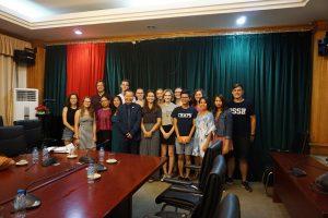 Besuch der Universität in Hanoi