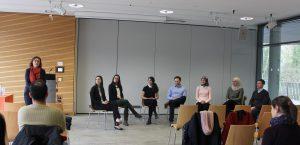 Regionale Unternehmen und internationale Studierenden beantworten Fragen von Luise Haack zu ihrer gemeinsamen Erfahrung. (c) Heidi Matschey 2017