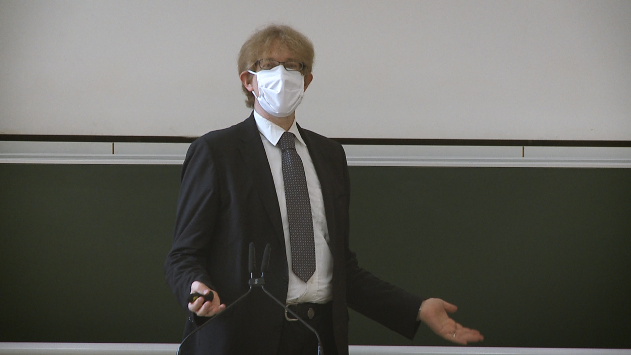 Studiengangsleiter Prof. Dr. Michael Beurskens